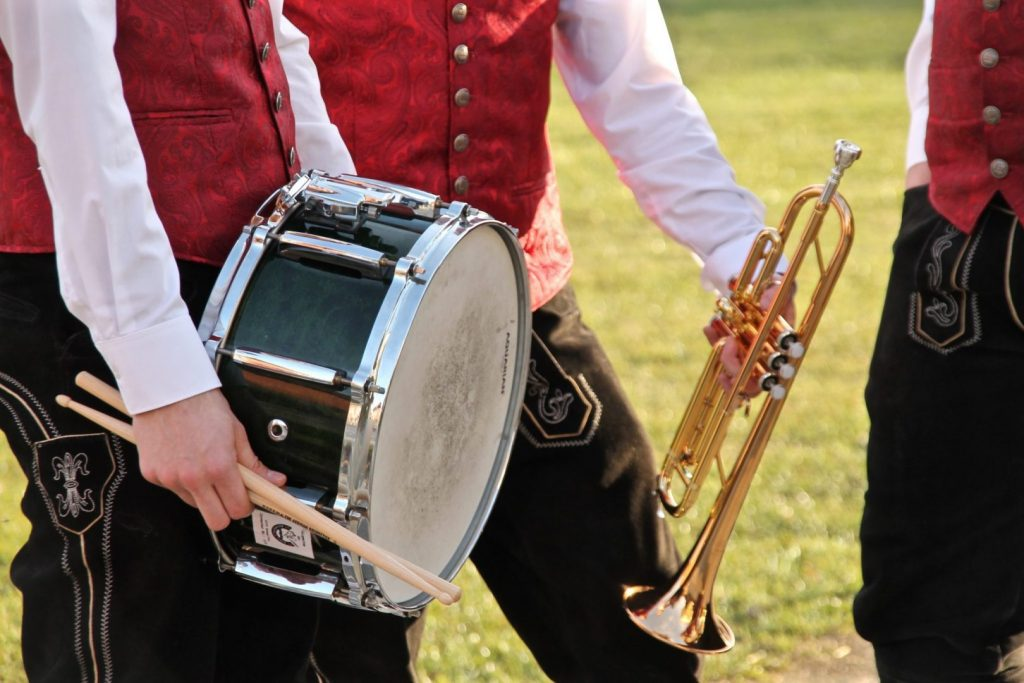 Trompete Trommel Schlagzeug (c) Margareta Hofinger