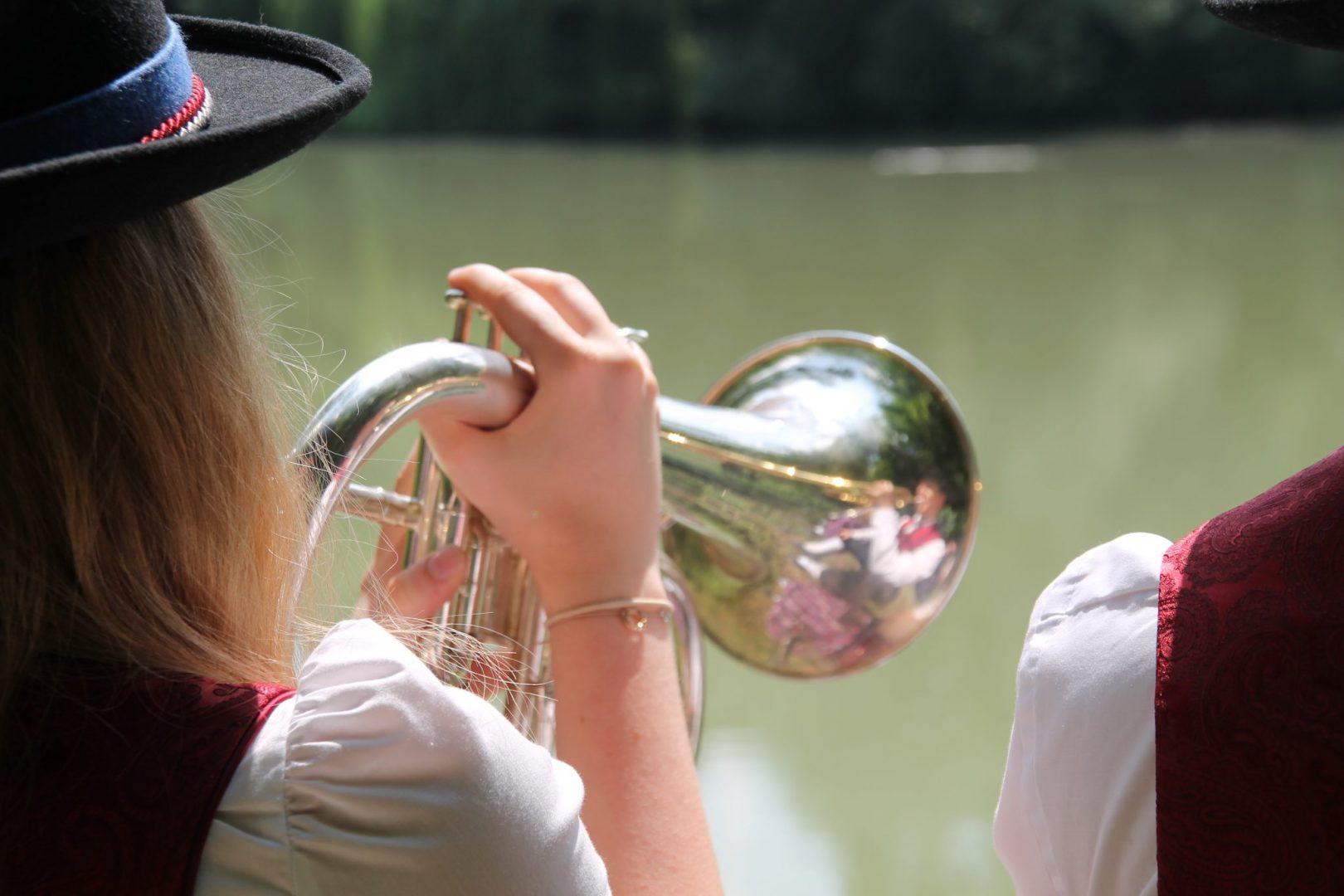 Trio- und Weisenblasen 2018 Fotoshooting Flügelhorn (c) Margareta Hofinger